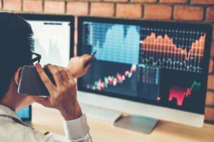 [Sự thật] Có sống bằng nghề đầu tư chứng khoán được không?